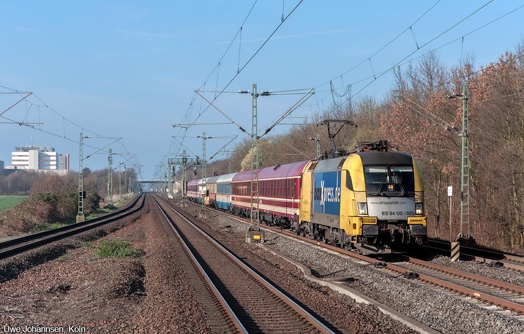 http://www.eisenbahnphotographie.de/bilder/000_d_515_gggg.jpg
